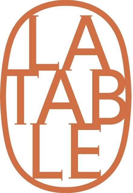 logo restaurant la table